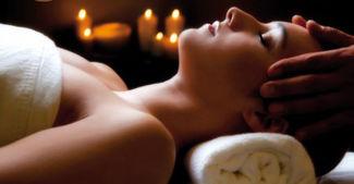 Les esthéticiennes de C&B vous proposes des massages - soins - et pose de vernis semi permanent et gel