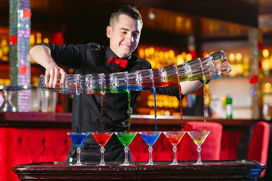 Faites une formation flair bartender et Craft Flair pour apprendre à faire le show !