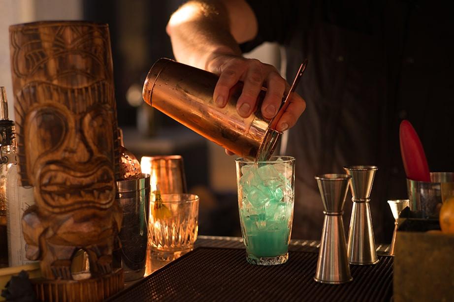 Comment épater vos convives avec une soirée cocktail à domicile ?