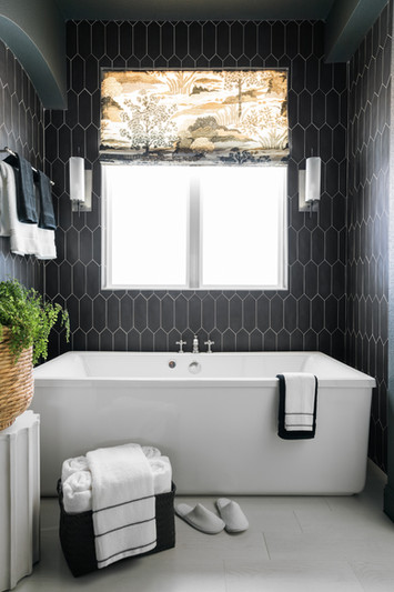 sh2019_master-bathroom-11-bathtub-full-k