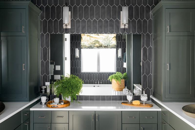sh2019_master-bathroom-02-vanity-mirror