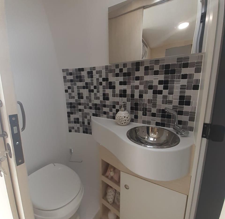 6- Banheiro 1.jpeg