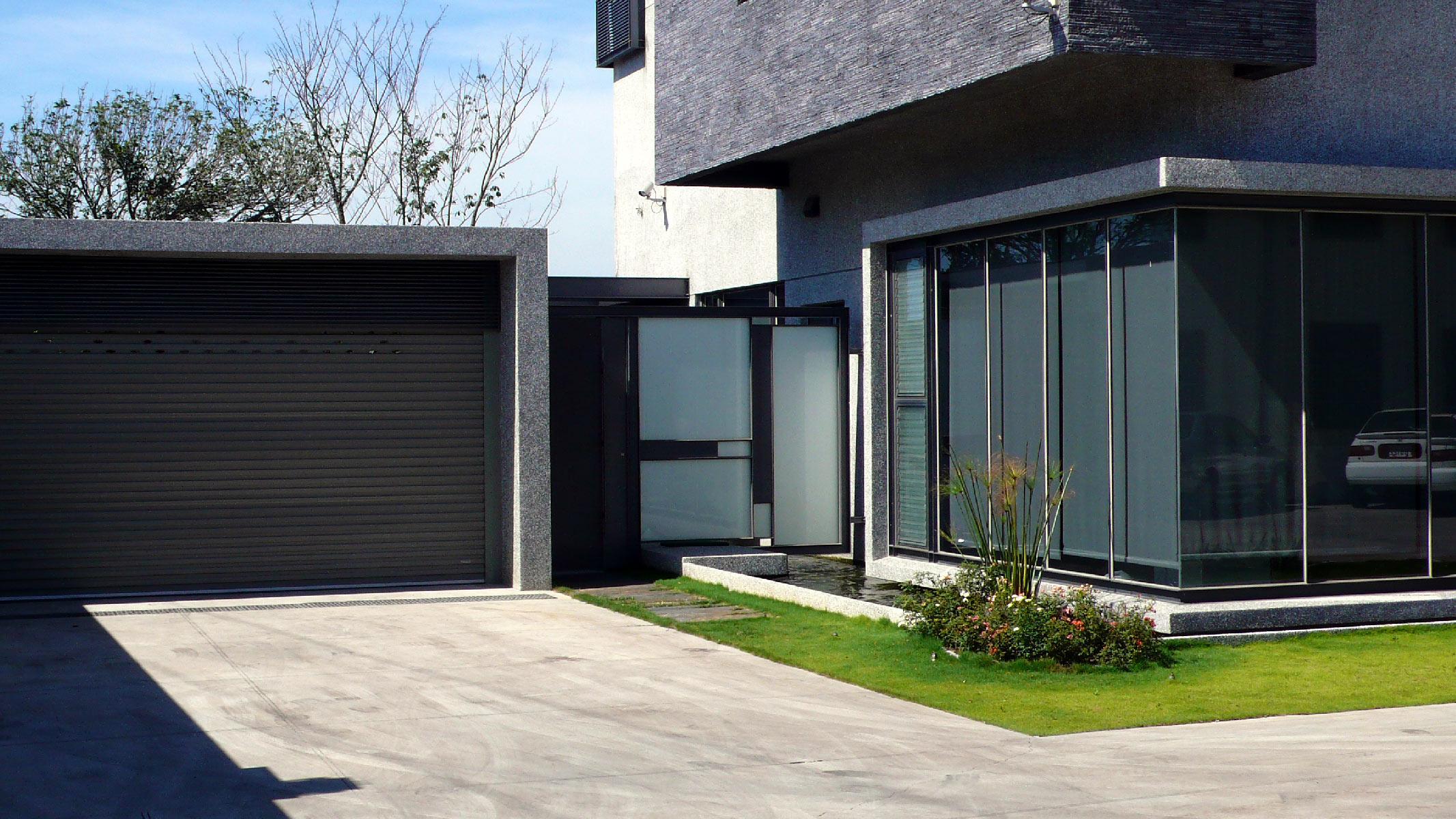 LL-House-E-1