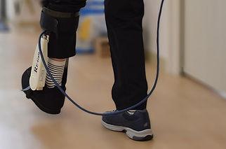 歩行補助ロボットRE-Gaitの練習風景.jpg