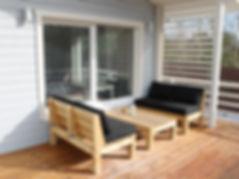 Просторная терраса, загородный дом, панорамное остекление