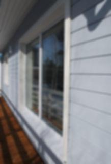 Скандинавская фасадная доска, большие окна