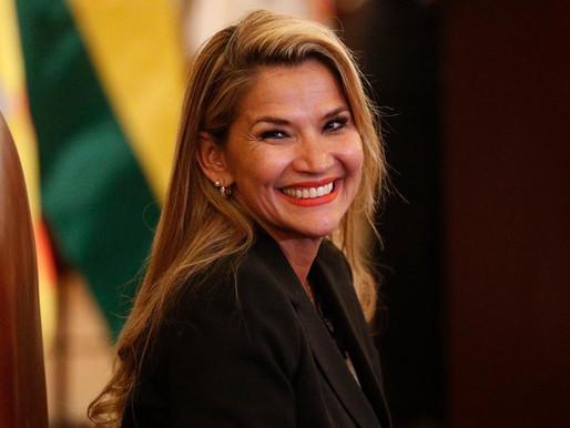 "Jeanine Añez recurre al "" decretazo"" para endeudar a Bolivia."