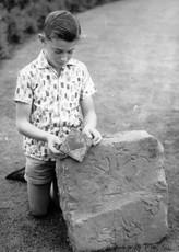 Jeff Sargeant with Grafton stones