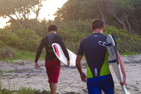 880 Surf Wear