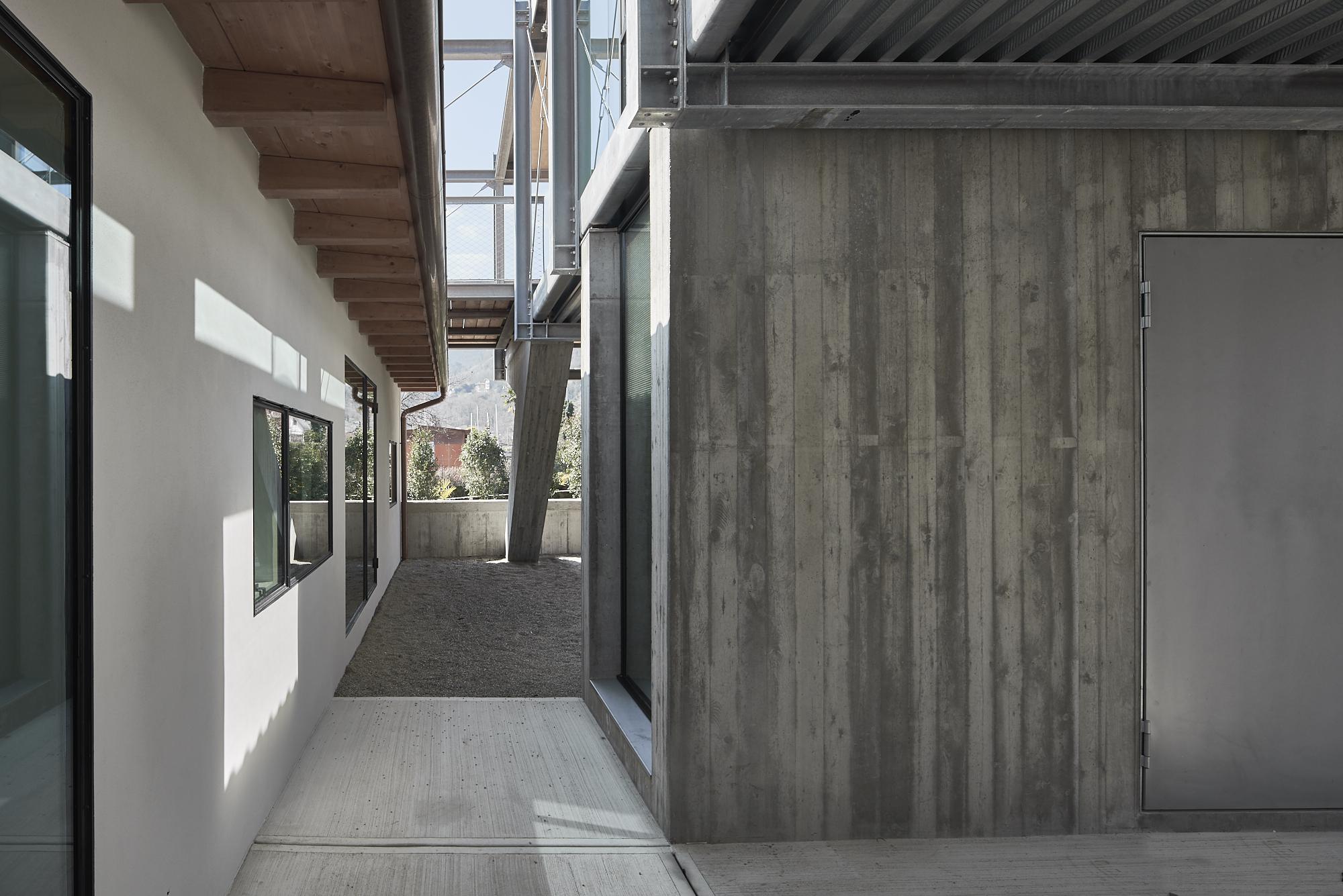 Umbau Villa am See Pella: Eingangsbereich