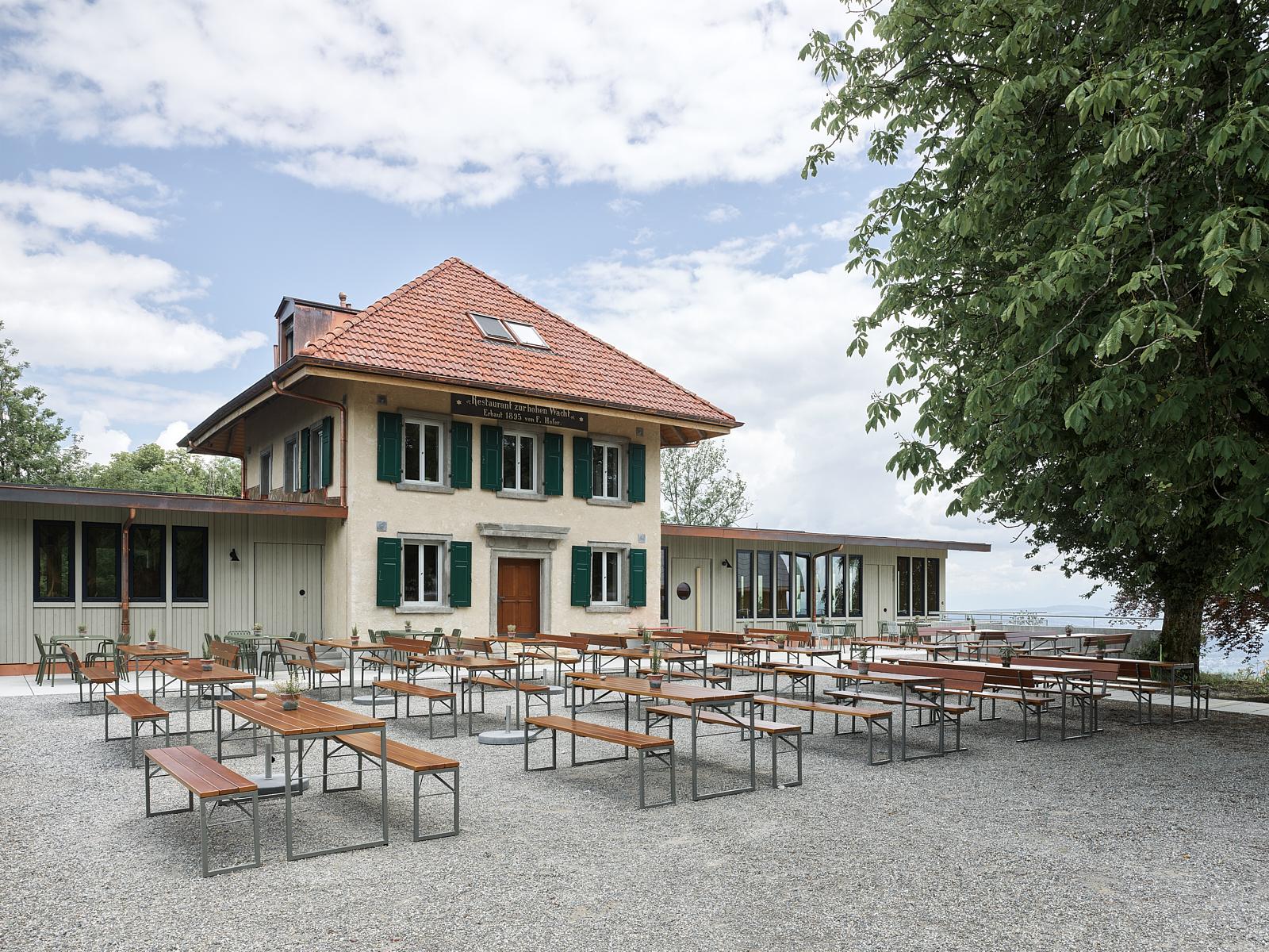 Sanierung Bergrestaurant Lägern Hochwacht: Gartenwirtschaft (Bild Georg Aerni)