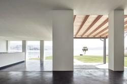 Umbau Villa am See Pella: Esszimmer mit Küche