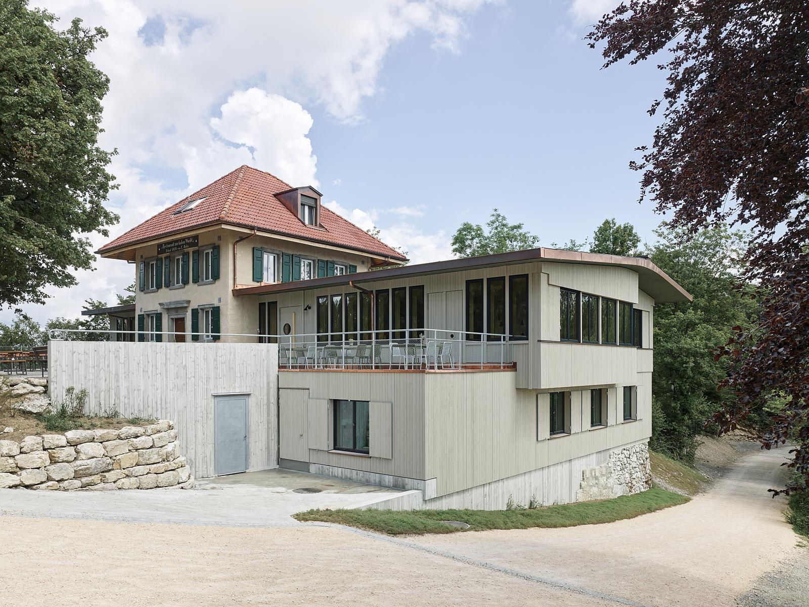 Sanierung Bergrestaurant Lägern Hochwacht: Ensemble (Bild Georg Aerni)