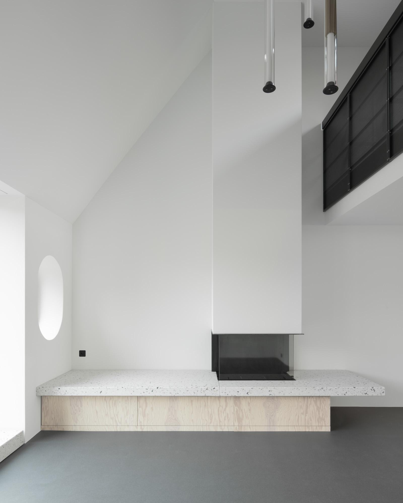 Umbau Wohnhaus Zürich: Cheminée Dachwohnung (Bild Mikael Blomfelt)