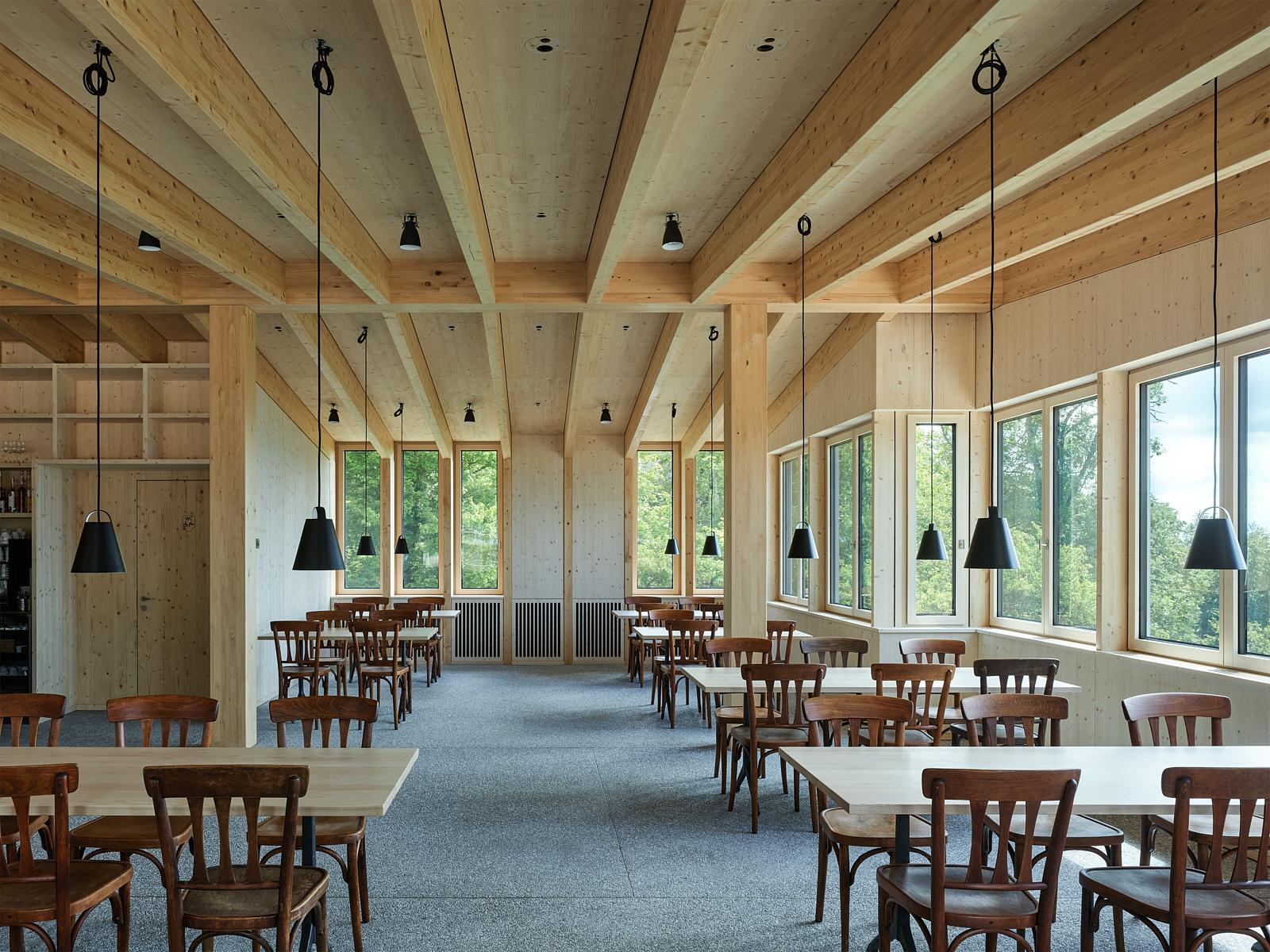 Sanierung Bergrestaurant Lägern Hochwacht: Gastraum (Bild Georg Aerni)
