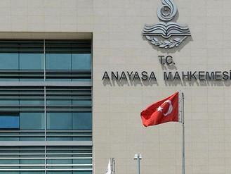Anayasa Mahkemesi, Karayolları Trafik Kanunu'nda yapılan bazı değişiklikleri iptal etti.