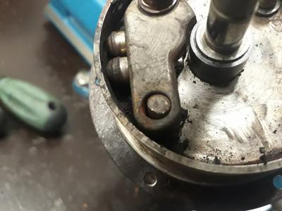 Worn advance mechanism