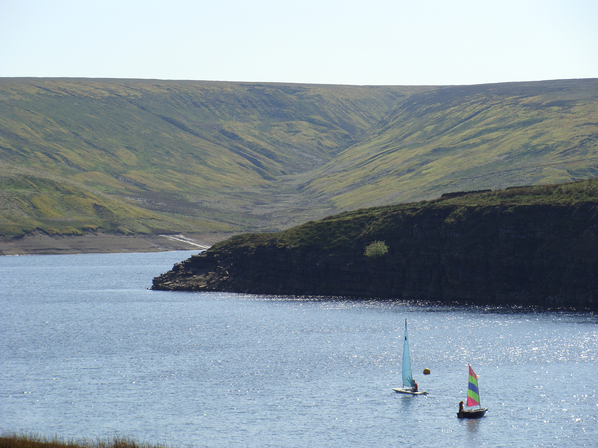 Sailing boats on Winscar Reservoir