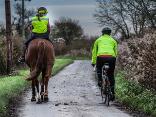 CYCLING SAFELY AROUND HORSES