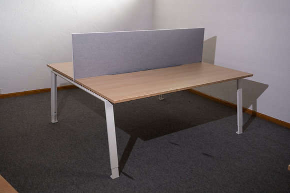 König + Neurath TABLE.A Doppelarbeitsplatz