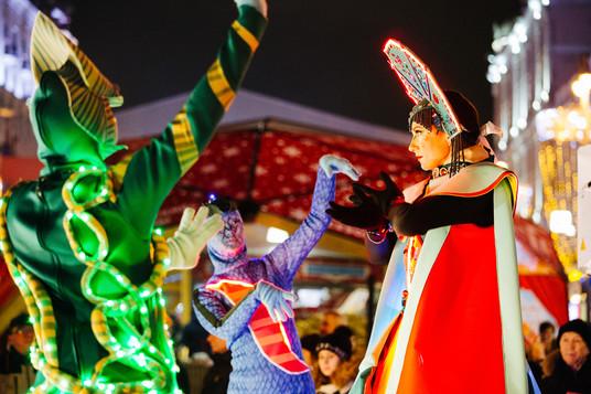 Вы просто не сможете пройти мимо разнообразных уличных представлений фестиваля