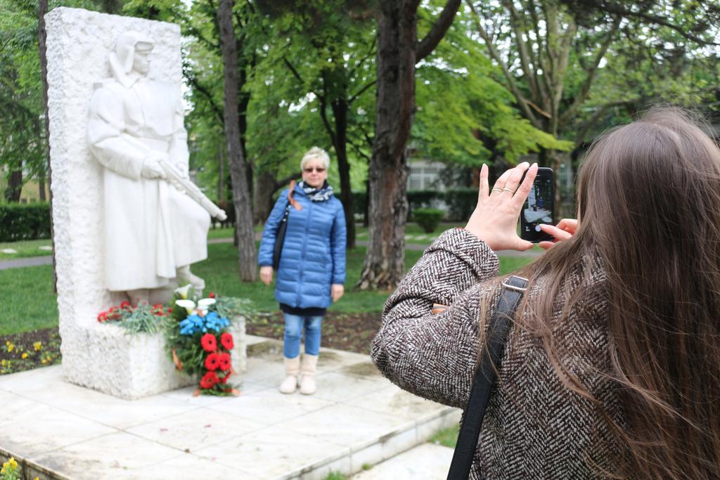 xi-rks-evro-memorial-osvoboditelyam-belgrada-33