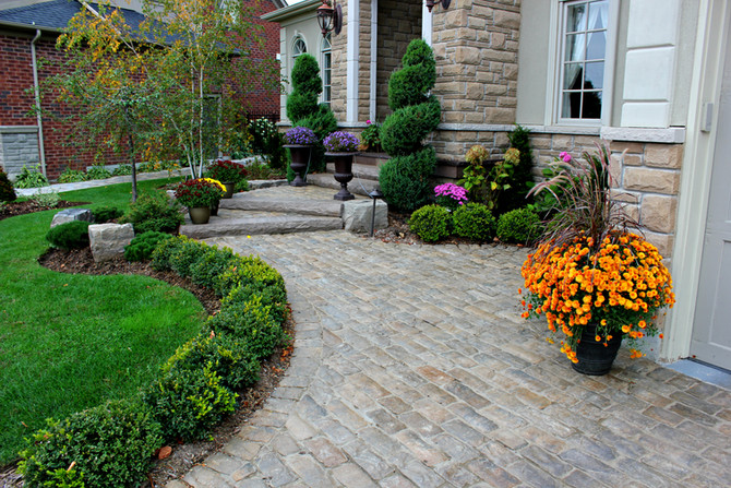 Front yard landscape ideas that will enhance curb appeal for potential home buyers