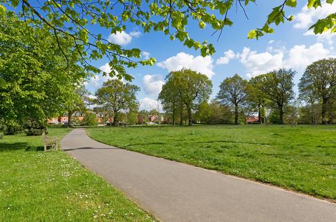 Hawkenbury-Park25.jpg