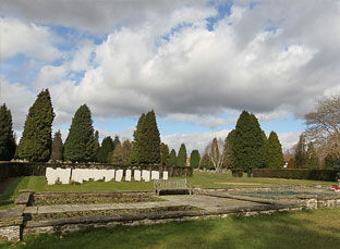 War-Graves-Gallery.jpg