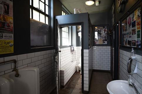 The-Forum-Toilets-03.jpg
