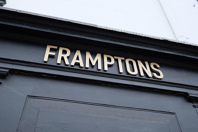 Framptons-Bar-07.jpg