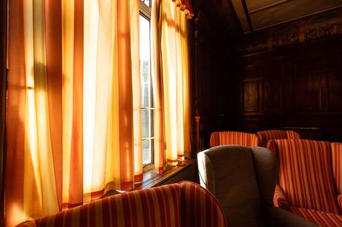 MEH Lounge05.jpg