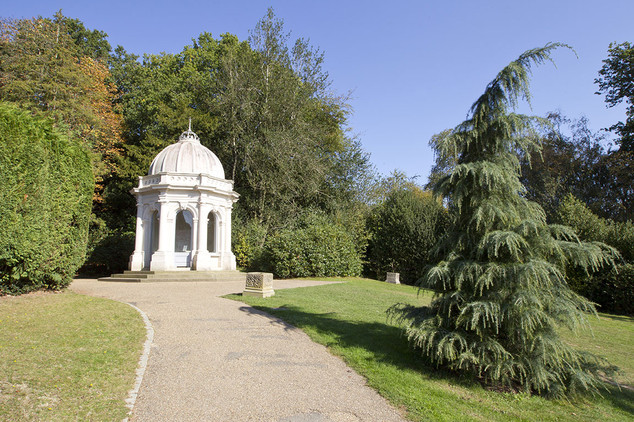Dunorlan Park-03.jpg