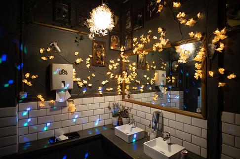 The-Forum-Toilets-06.jpg