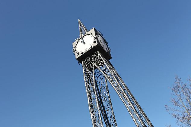 Millenium-Clock01.jpg