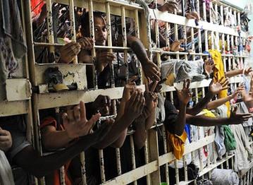 O caos no sistema penitenciário brasileiro e a injusta política de encarceramento