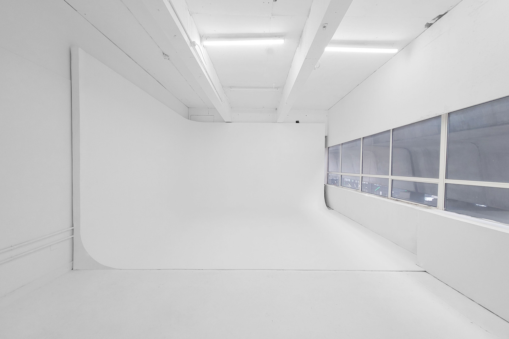 photography-studio-hire-daylight-silvers