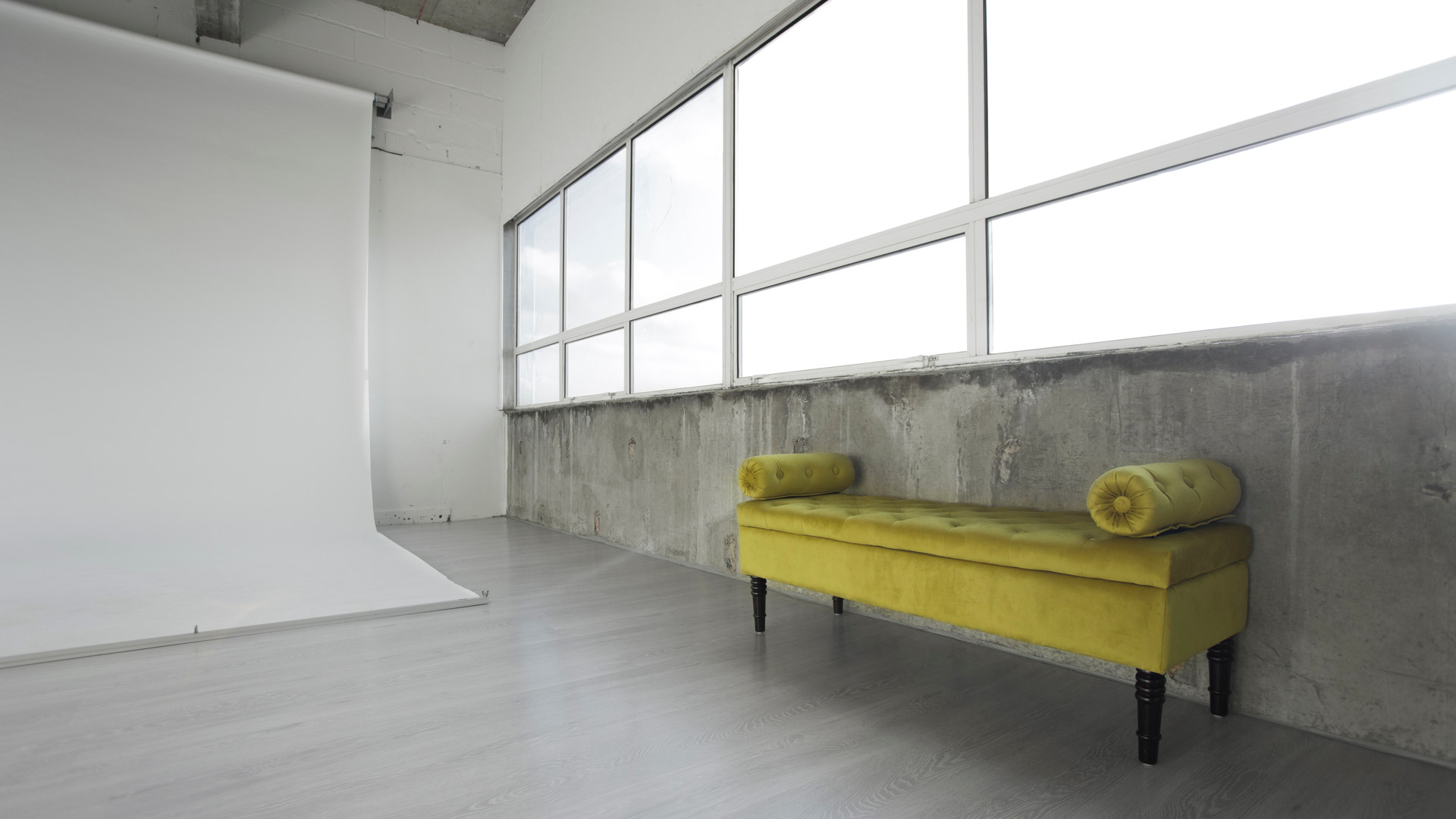 photography-studio-hire-daylight-silverspace-studios-3