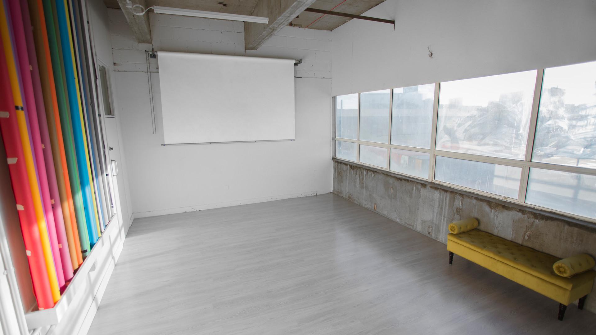 photography-studio-hire-daylight-silverspace-studios-2