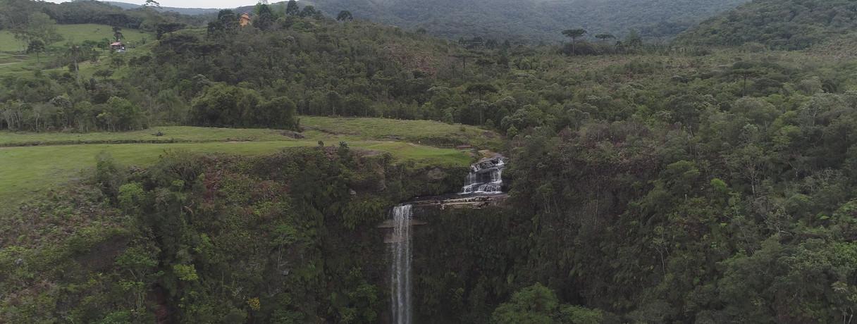 Medeiros Waterfall at Anitapolis, Santa Catarina.
