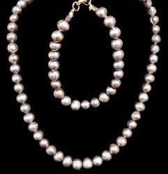 Gray Pearl Set
