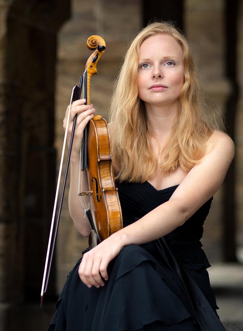 Violinistin Anna Markova in Bremen