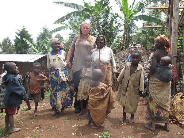 Kelley with 'Pygmies'.JPG