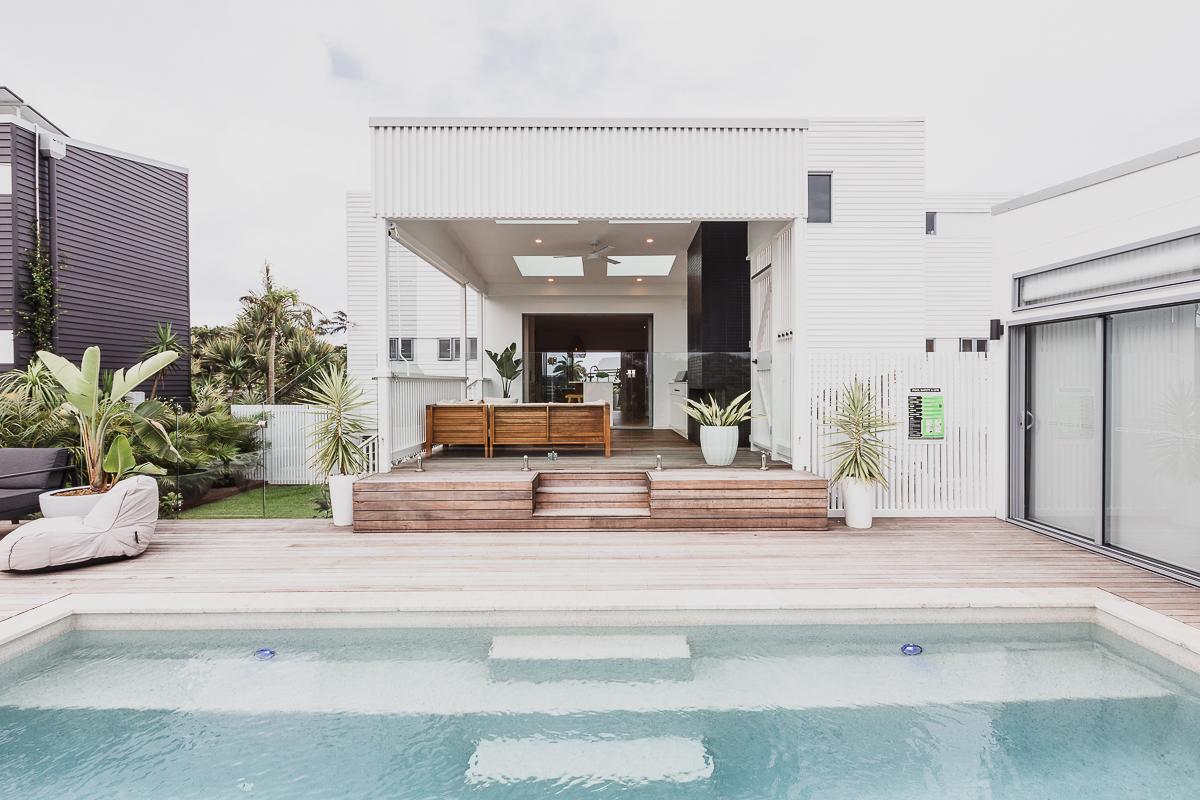 Pool & decking | Belongil House Byron Bay | Interior Design