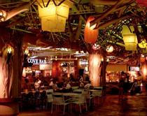 ala_moana_center_4_foodcourt.jpg