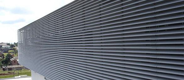 brise, brise de aluminio, brise metalico, brise vertical, brise fachada, brise aluminio, brise articulado