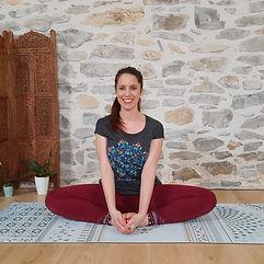 Photo yoga Chloé.jpg