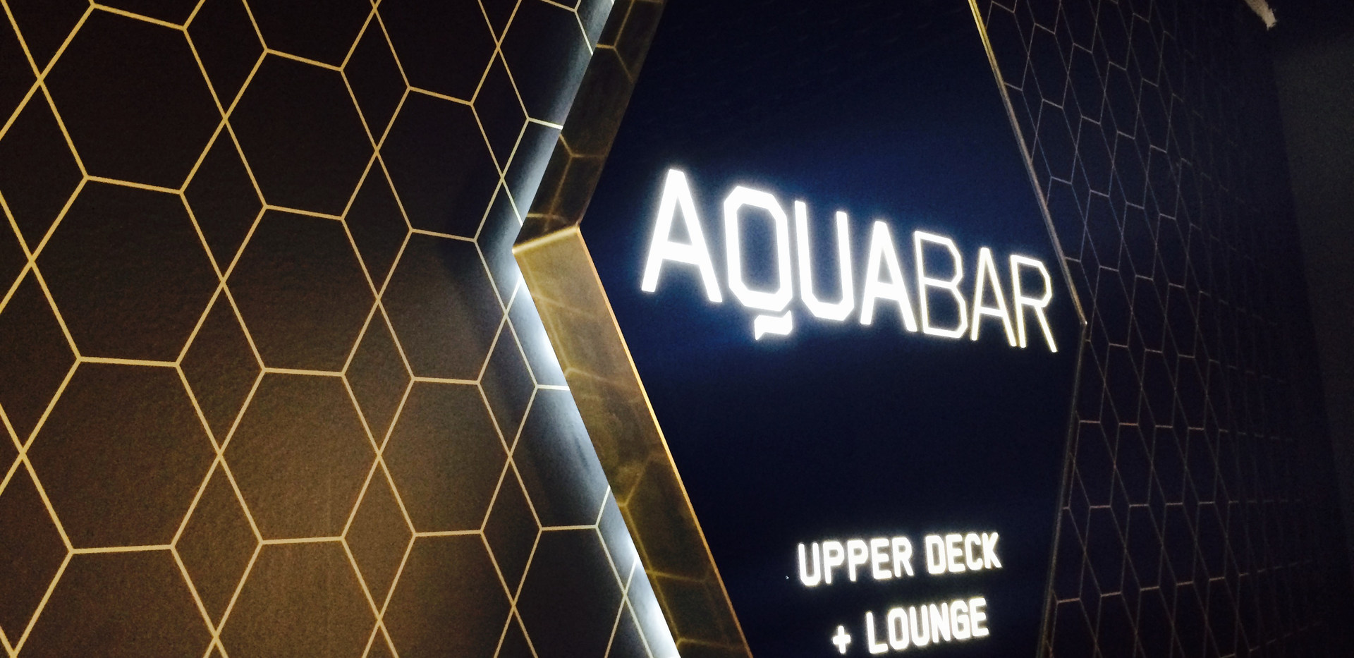 aqua-bar-372.jpg