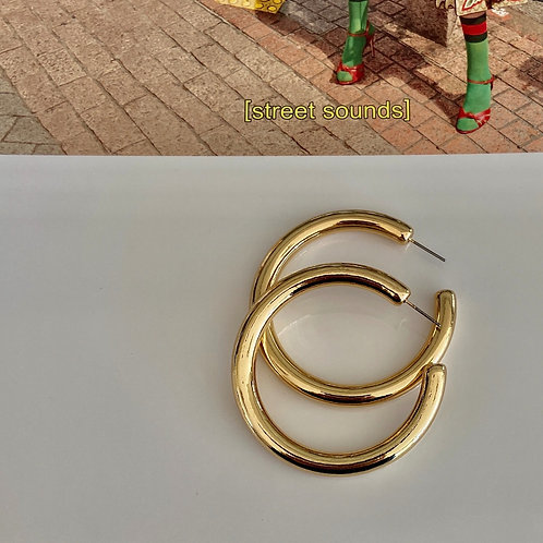 Large Staple Chunky Hoops - Gold