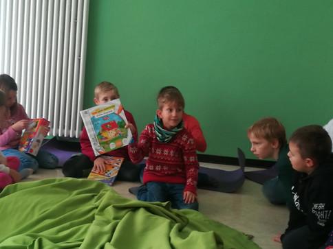 Überraschung! Neue Spiele und Bücher